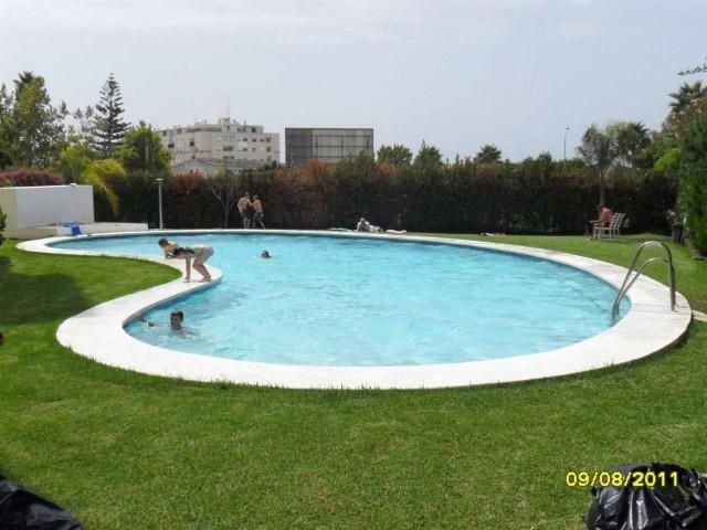 Apartment for Sale - 125.000€ - Nueva Andalucía, Costa del Sol - Ref: 4554