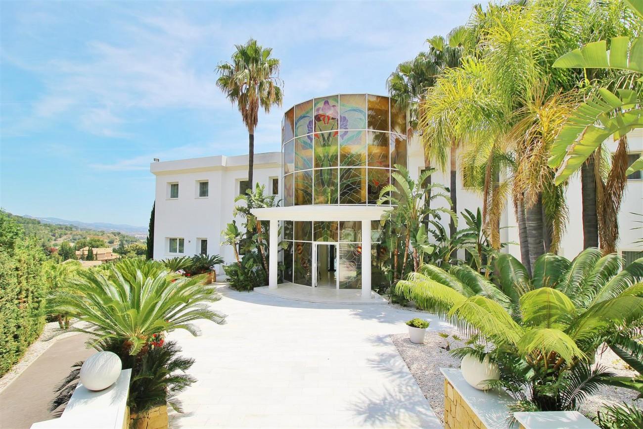 V4577 Luxury Contemporary Villa Golden Marbella Mile For Rent (1)