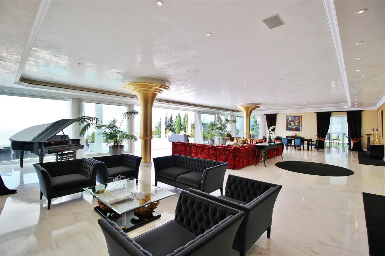 V4577 Luxury Contemporary Villa Golden Marbella Mile For Rent (2)