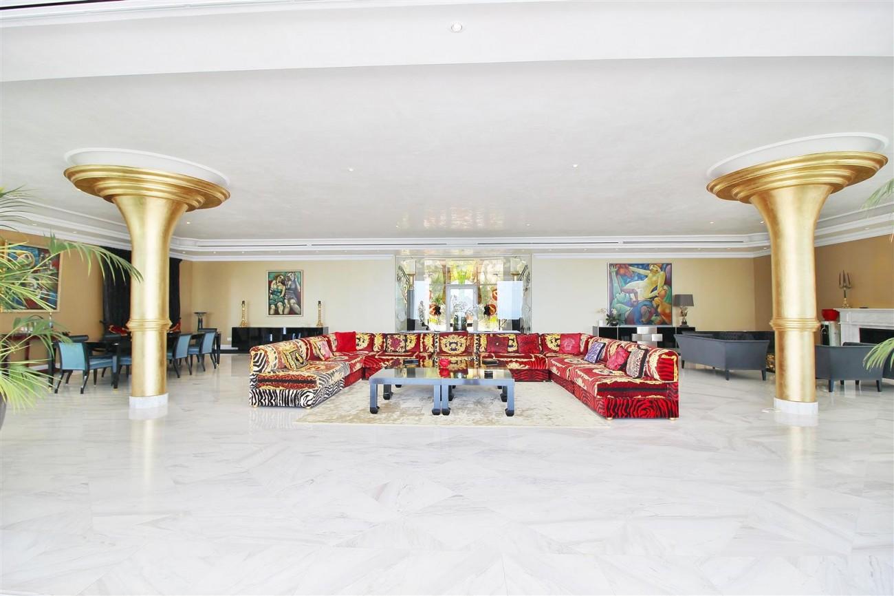 V4577 Luxury Contemporary Villa Golden Marbella Mile For Rent (3)