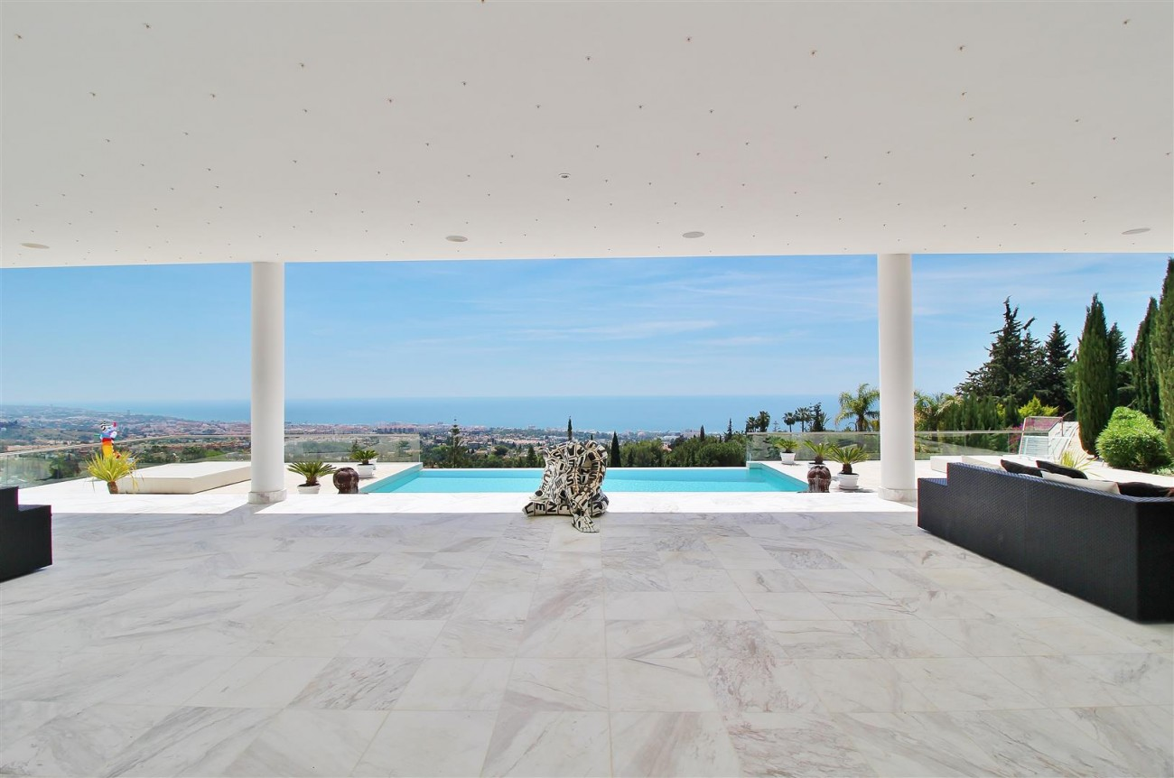 V4577 Luxury Contemporary Villa Golden Marbella Mile For Rent (4)