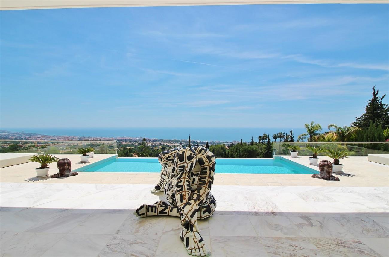 V4577 Luxury Contemporary Villa Golden Marbella Mile For Rent (7)