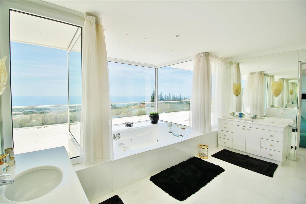 V4577 Luxury Contemporary Villa Golden Marbella Mile For Rent (10)