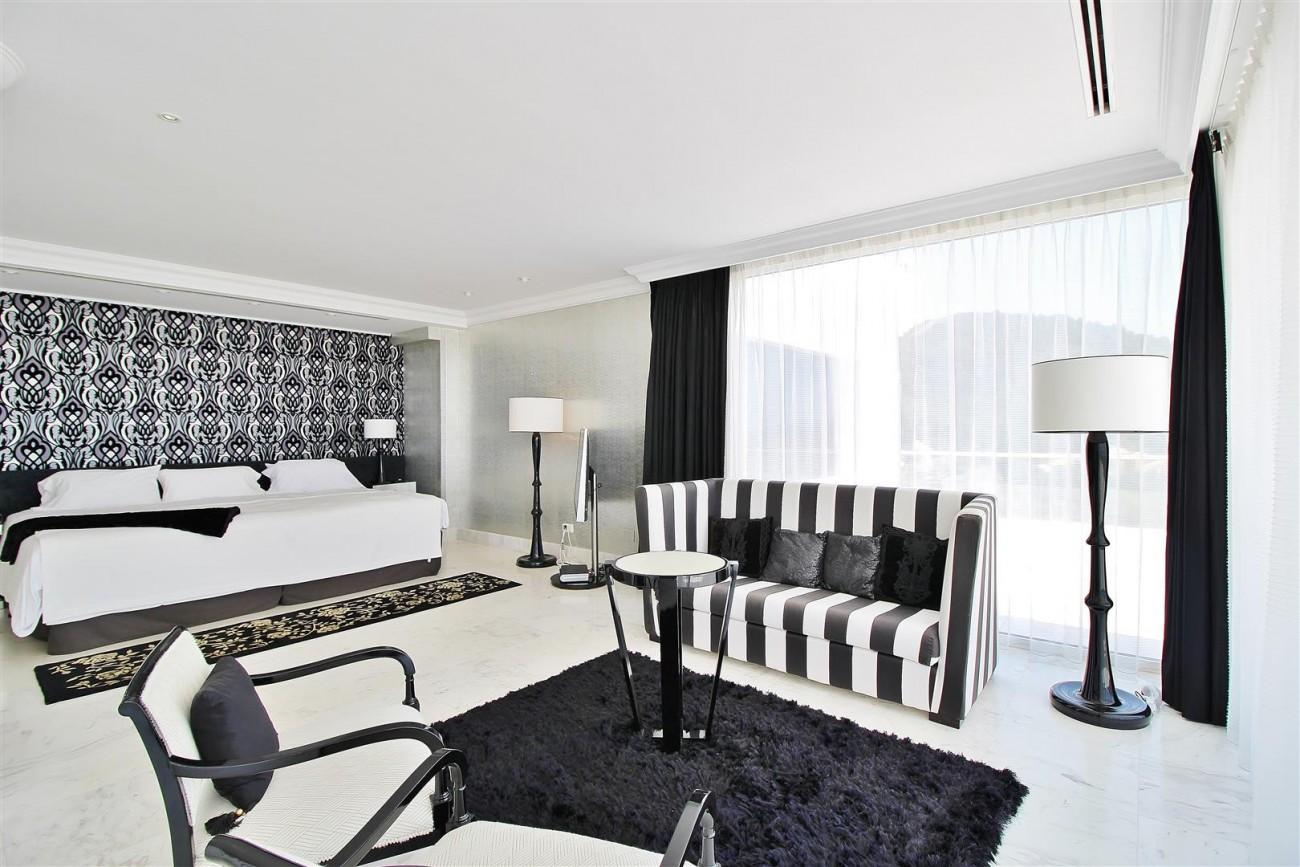 V4577 Luxury Contemporary Villa Golden Marbella Mile For Rent (13)