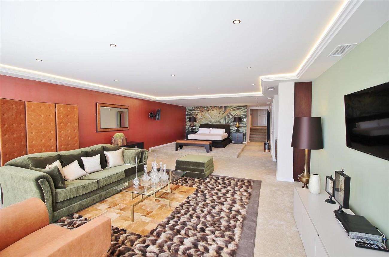 V4577 Luxury Contemporary Villa Golden Marbella Mile For Rent (18)