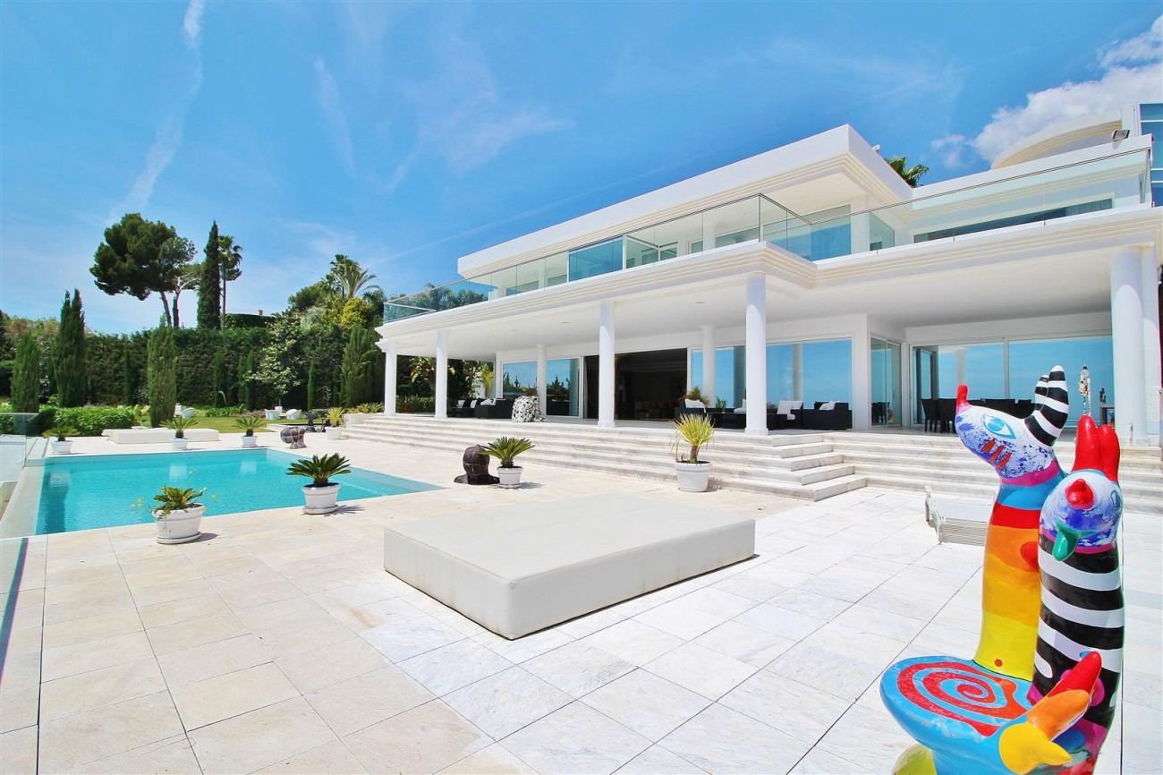 V4577 Luxury Contemporary Villa Golden Marbella Mile For Rent