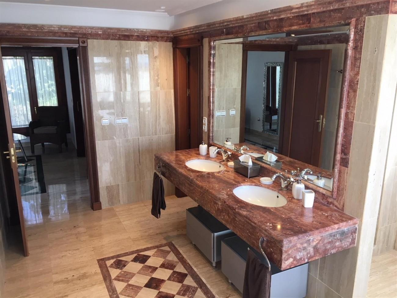 Villa for sale Benahavis Spain (1) (Large)