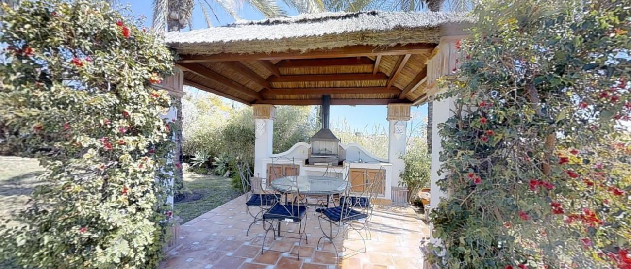 Villa-for-sale-Benahavis-Spain-(3)