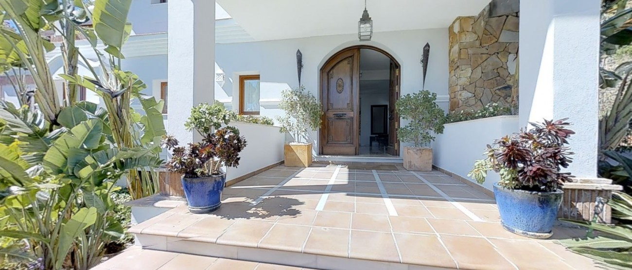 Villa-for-sale-Benahavis-Spain-(6)