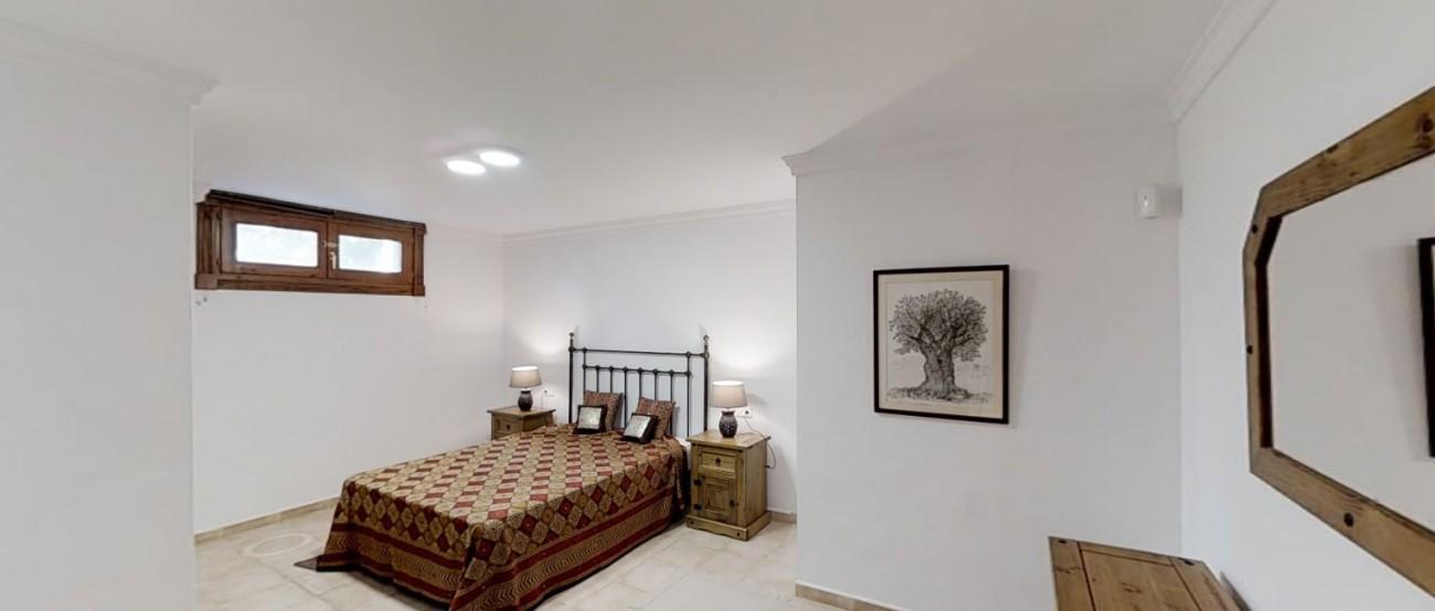 Villa-for-sale-Benahavis-Spain-(8)