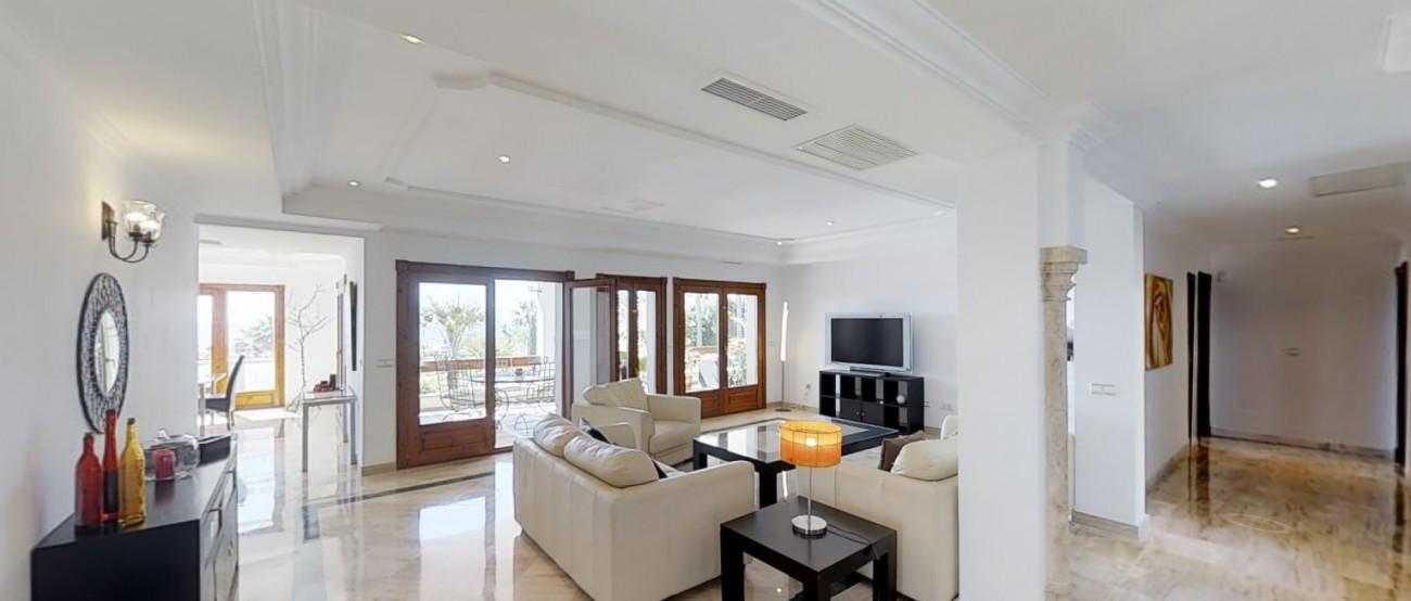 Villa-for-sale-Benahavis-Spain-(10)