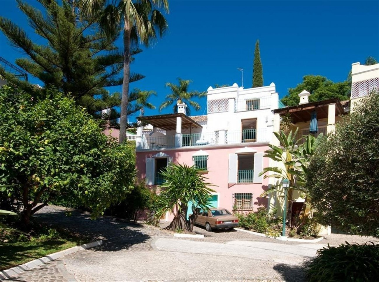 Townhouse for sale Marbella Golden Mile Spain (4) (Large)