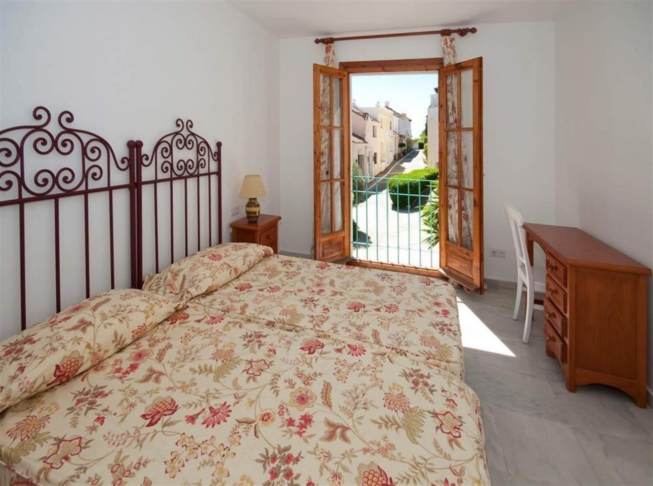 Townhouse for sale Marbella Golden Mile Spain (9) (Large)