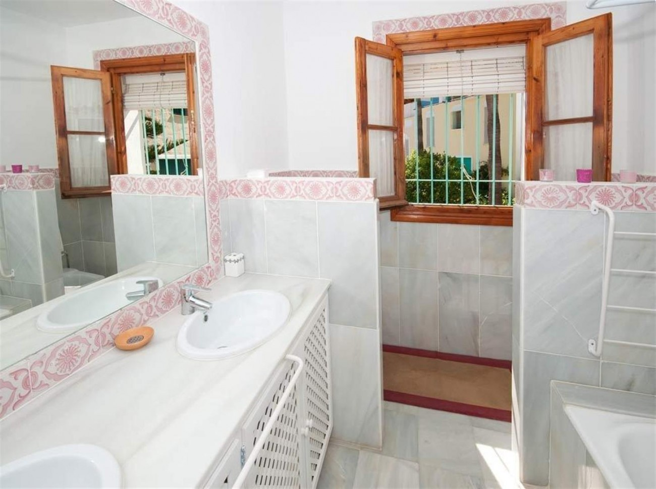 Townhouse for sale Marbella Golden Mile Spain (12) (Large)