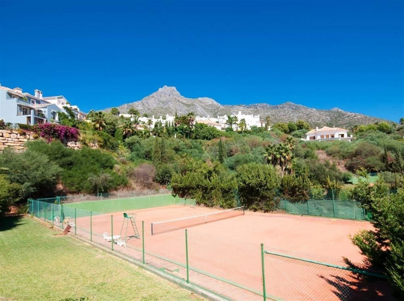 Townhouse for sale Marbella Golden Mile Spain (17) (Large)