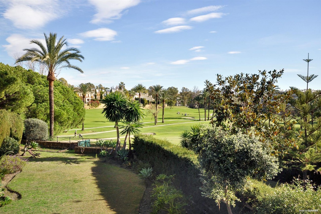 Townhouse for sale Marbella Spain (2) (Large)