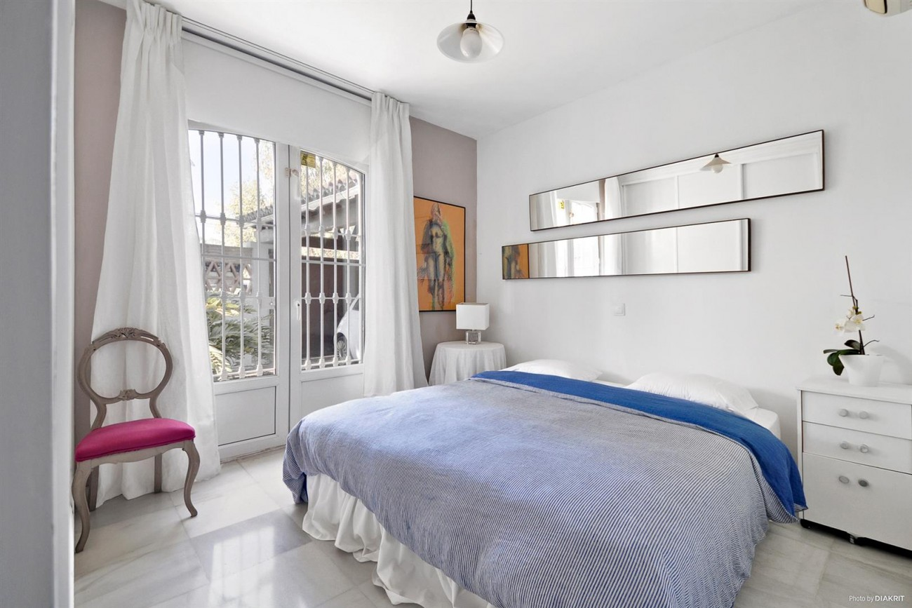 Townhouse for sale Marbella Spain (13) (Large)
