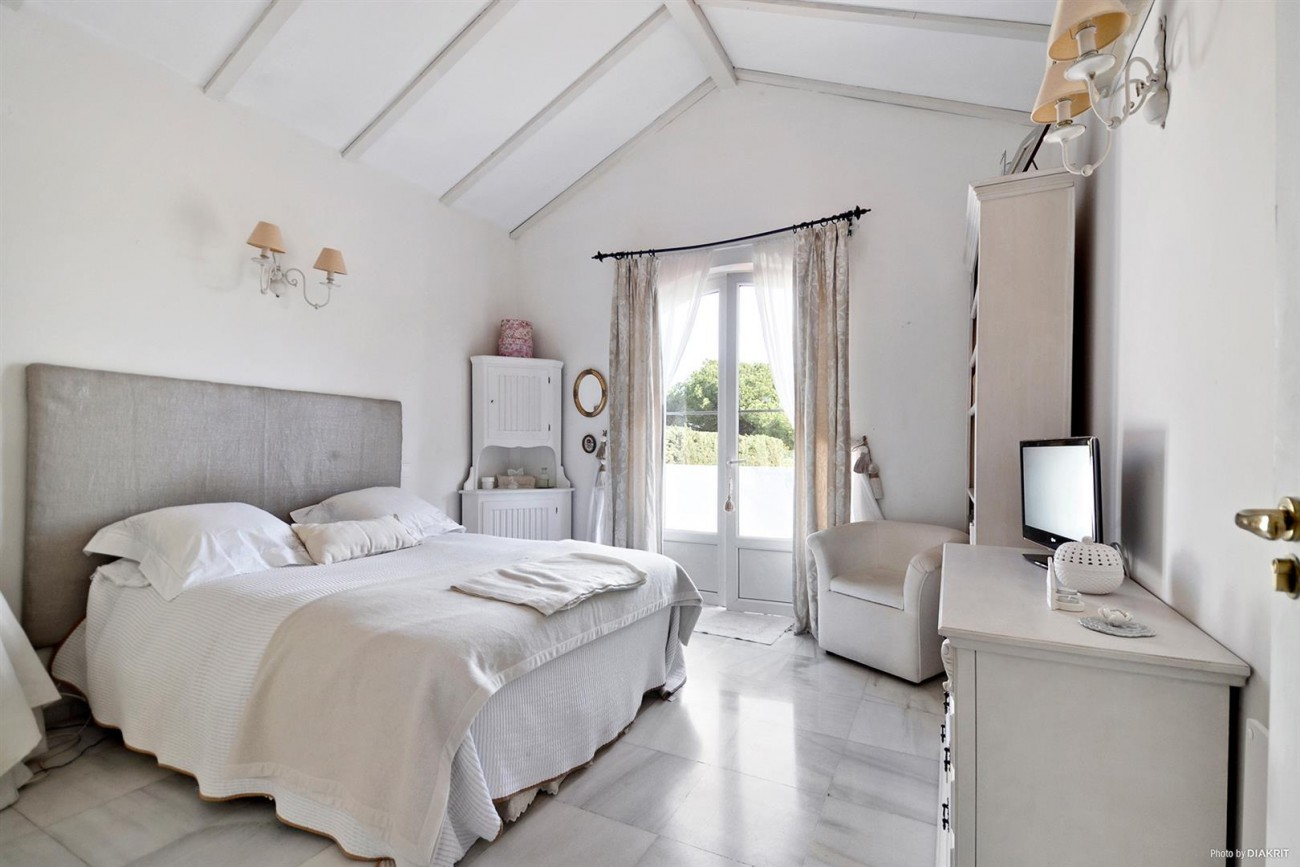 Townhouse for sale Marbella Spain (14) (Large)