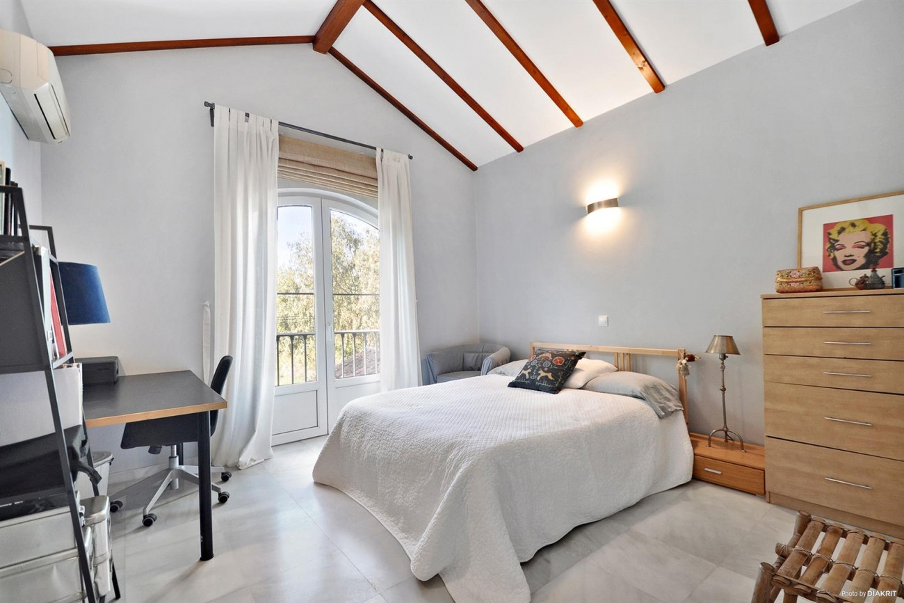 Townhouse for sale Marbella Spain (15) (Large)
