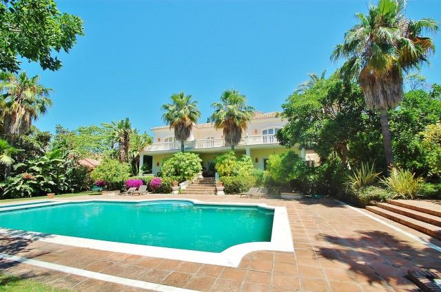 Villa for Sale - 3.950.000€ - Golden Mile, Costa del Sol - Ref: 4723