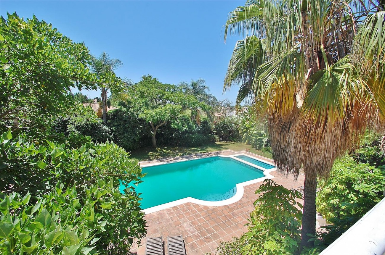 V4723 Luxury Villa in Golden Mile Marbella (9) (Large)