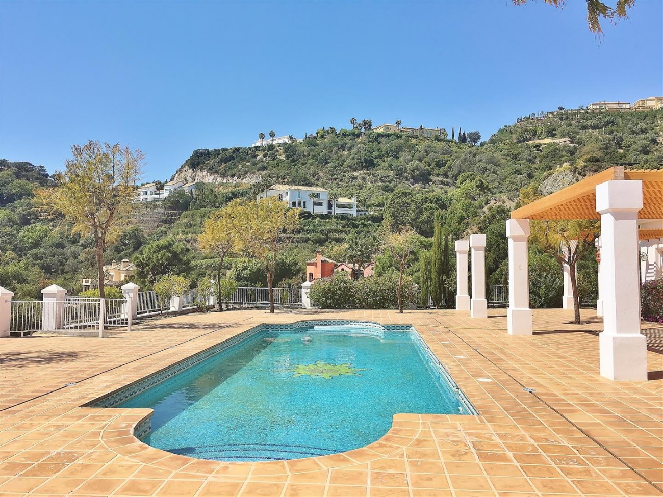 V4729 Villa for Sale Zagaleta Benahavis Spain (70) (Large)