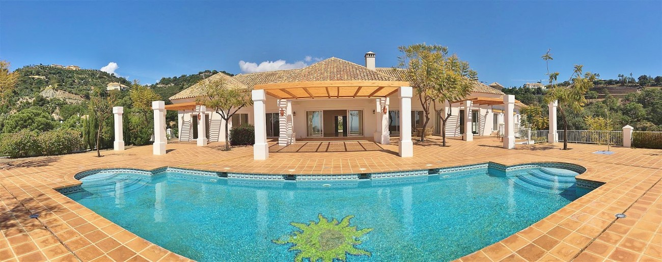 V4729 Villa for Sale Zagaleta Benahavis Spain (73) (Large)