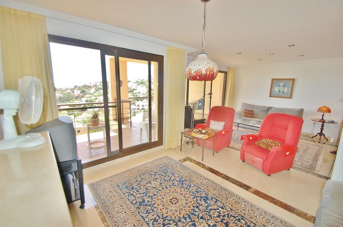 A4736 Apartment Duplex in Los Arqueros Benahavis Spain (2) (Large)