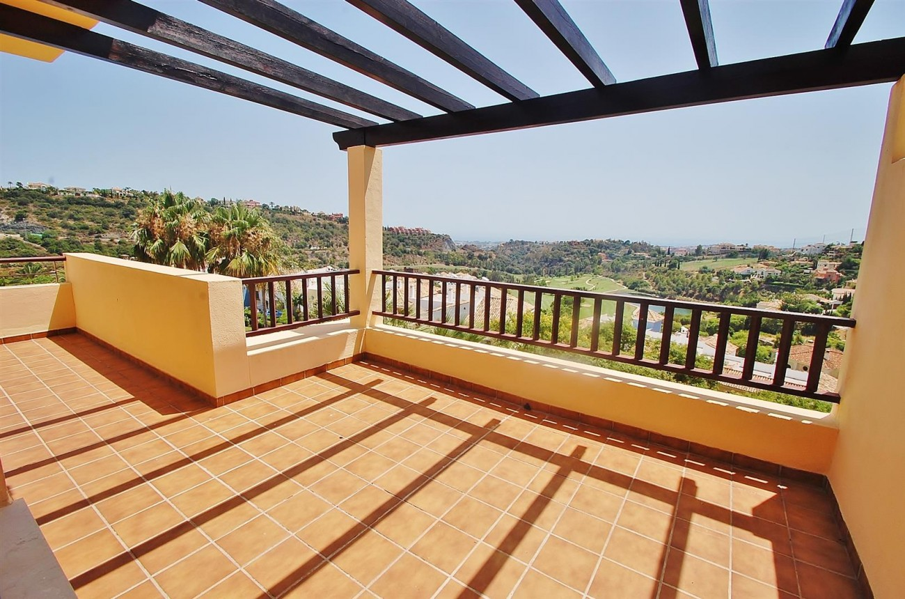 A4736 Apartment Duplex in Los Arqueros Benahavis Spain (3) (Large)