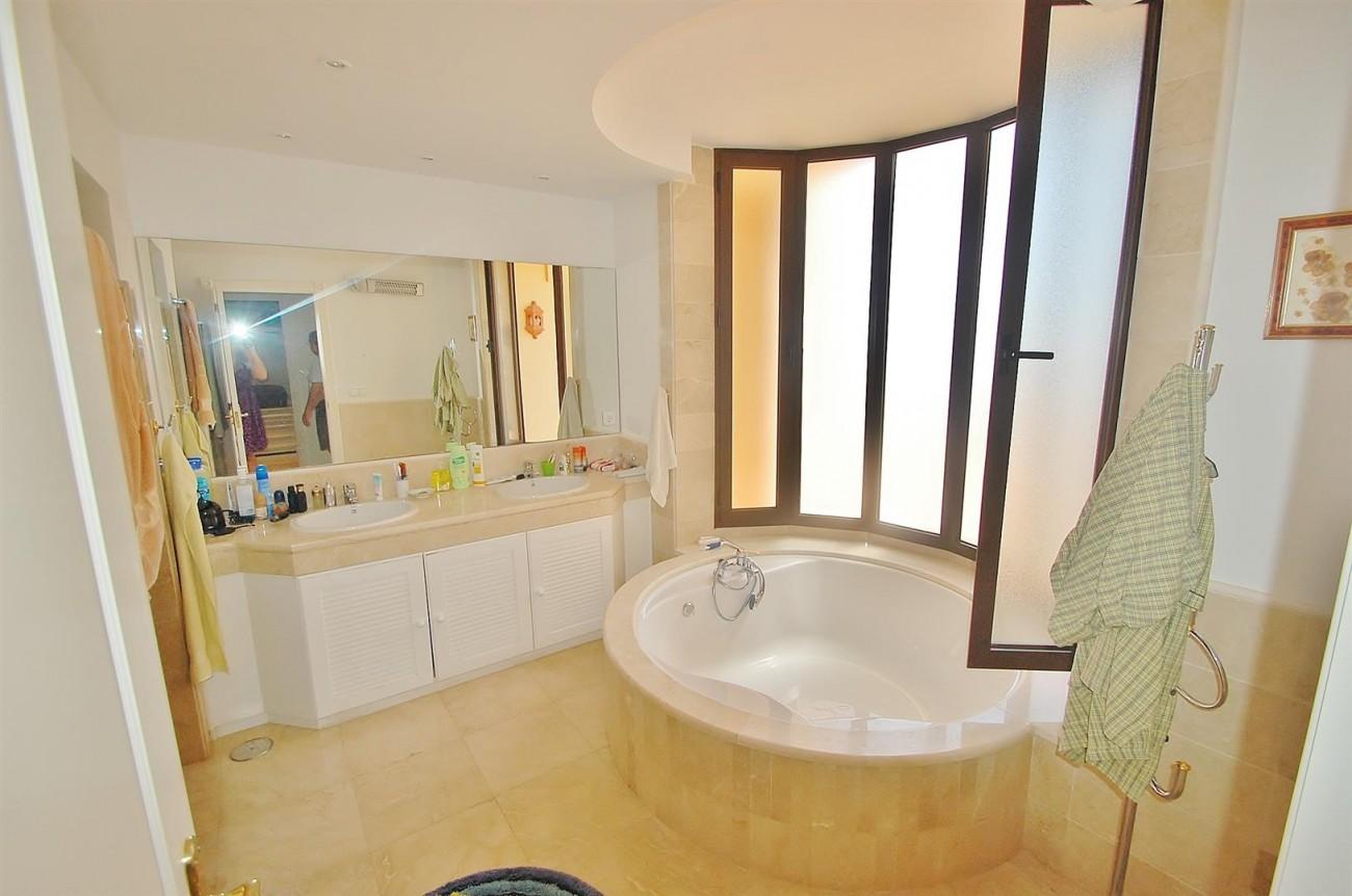 A4736 Apartment Duplex in Los Arqueros Benahavis Spain (4) (Large)