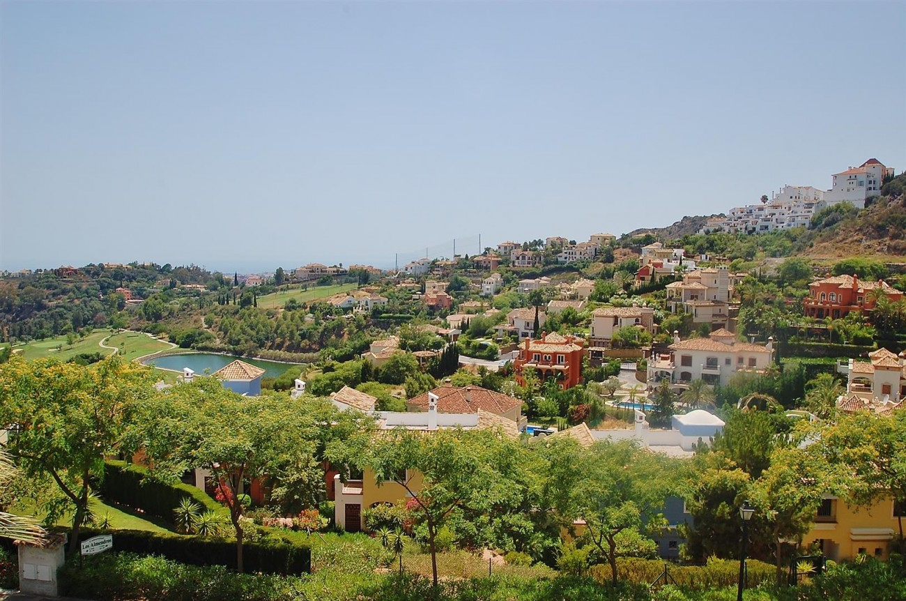 A4736 Apartment Duplex in Los Arqueros Benahavis Spain (13) (Large)