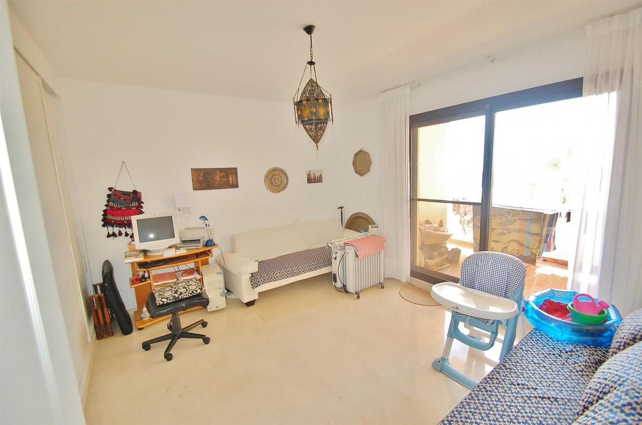 A4736 Apartment Duplex in Los Arqueros Benahavis Spain (21) (Large)