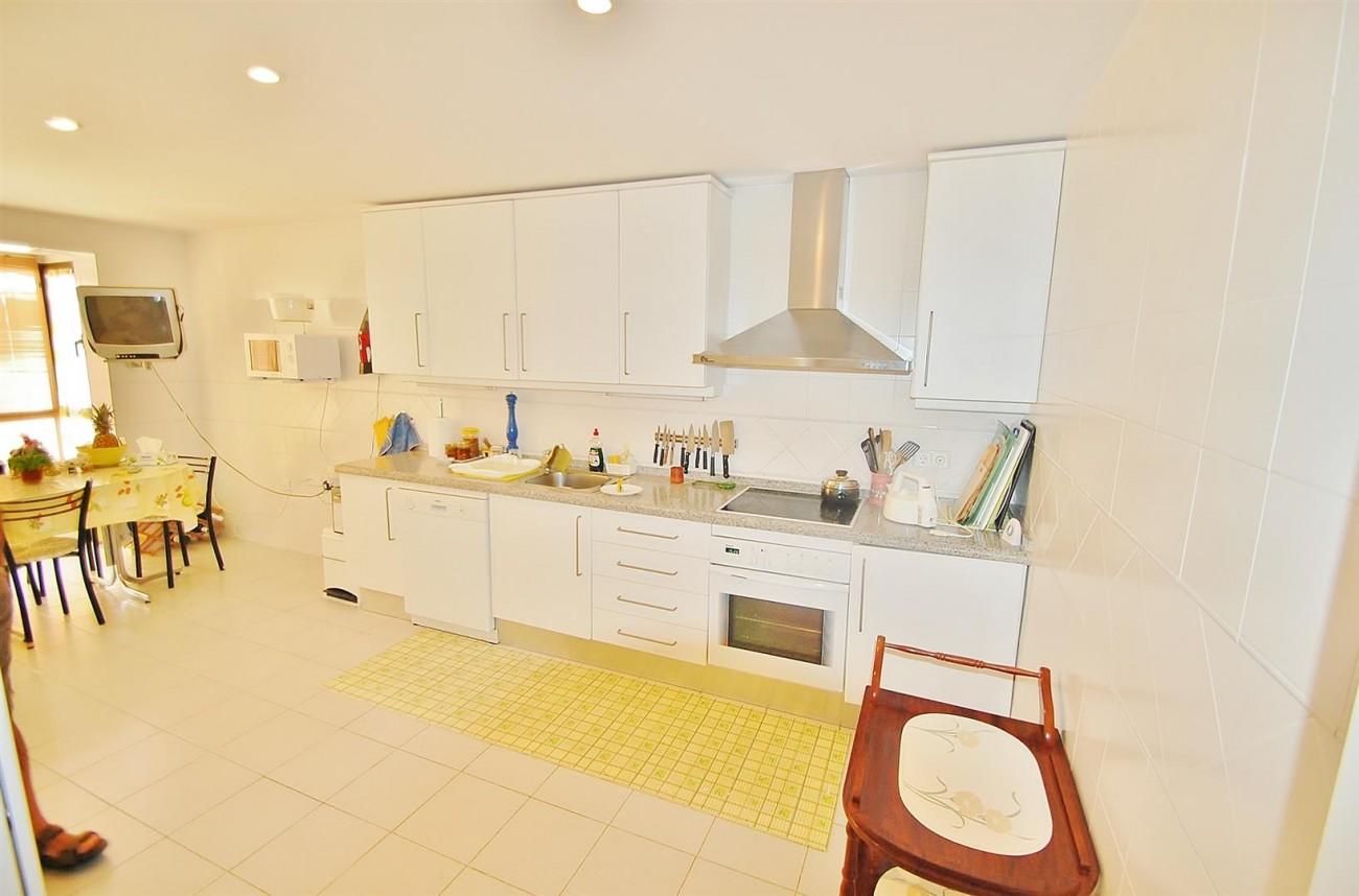 A4736 Apartment Duplex in Los Arqueros Benahavis Spain (23) (Large)