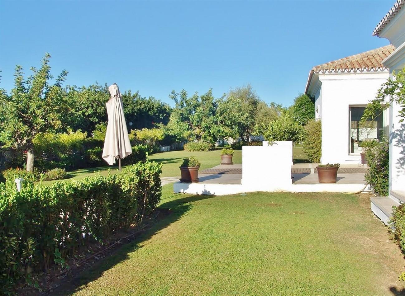 Contemporary Villa in Marbella Golden Mile (4) (Large)