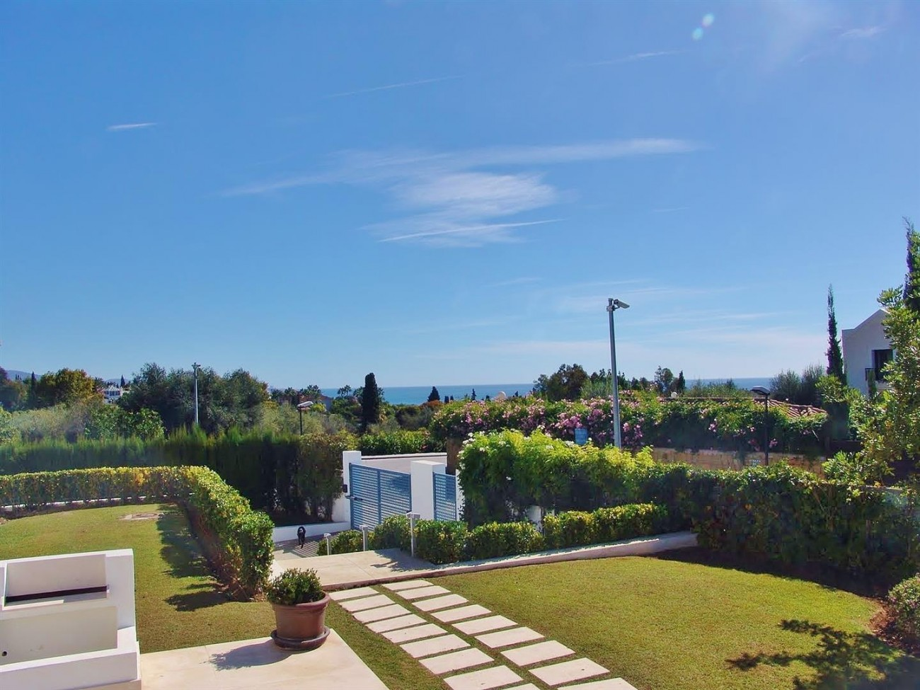 Contemporary Villa in Marbella Golden Mile (6) (Large)