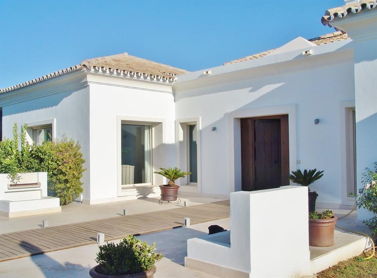 Contemporary Villa in Marbella Golden Mile (7) (Large)