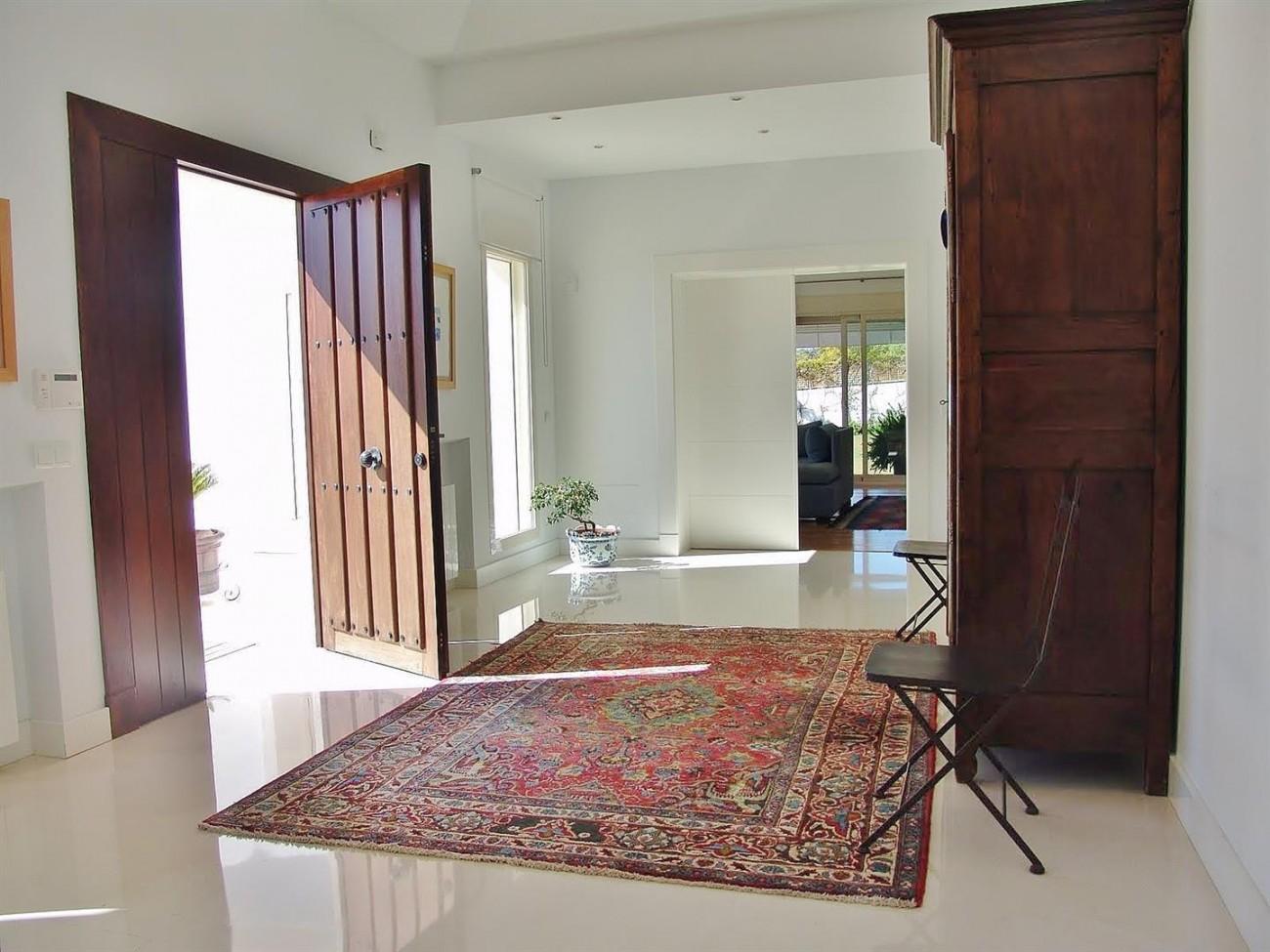 Contemporary Villa in Marbella Golden Mile (8) (Large)