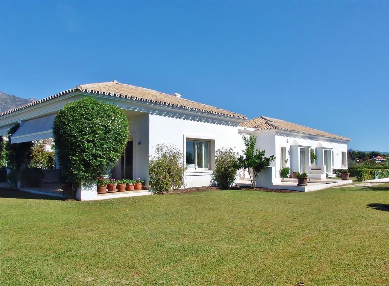Contemporary Villa in Marbella Golden Mile (12) (Large)
