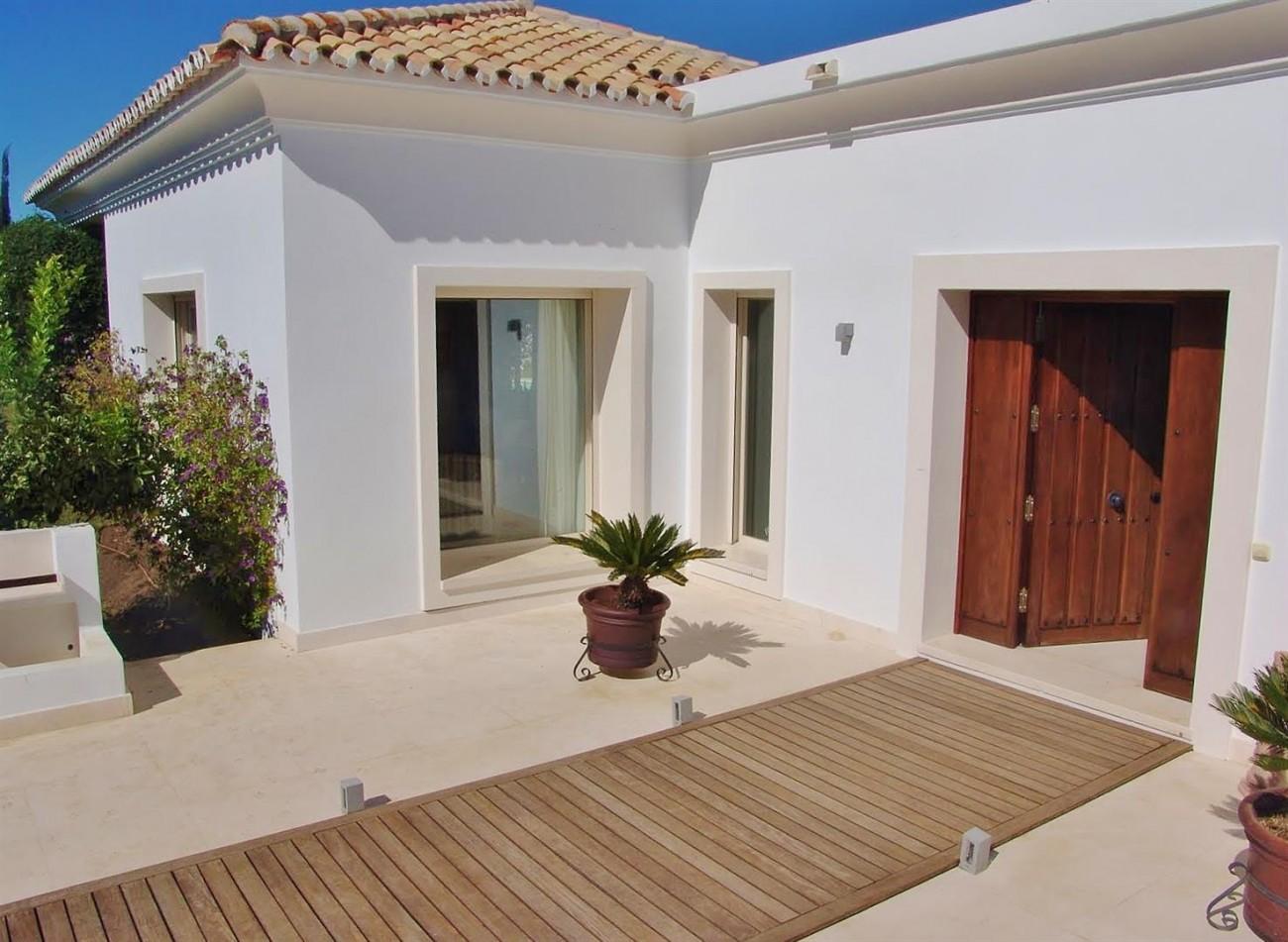 Contemporary Villa in Marbella Golden Mile (19) (Large)