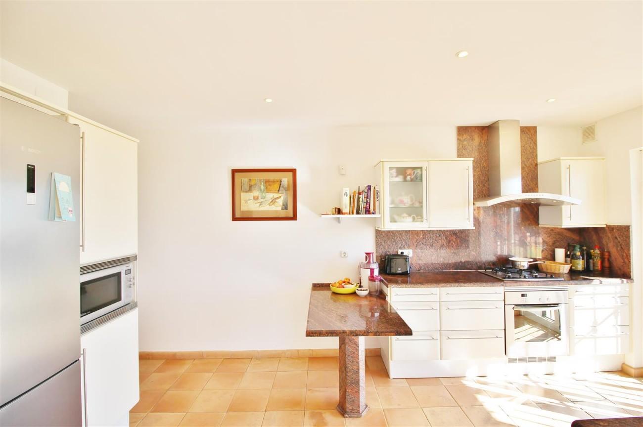 Villa for sale close to Puerto Banus Spain (6) (Large)