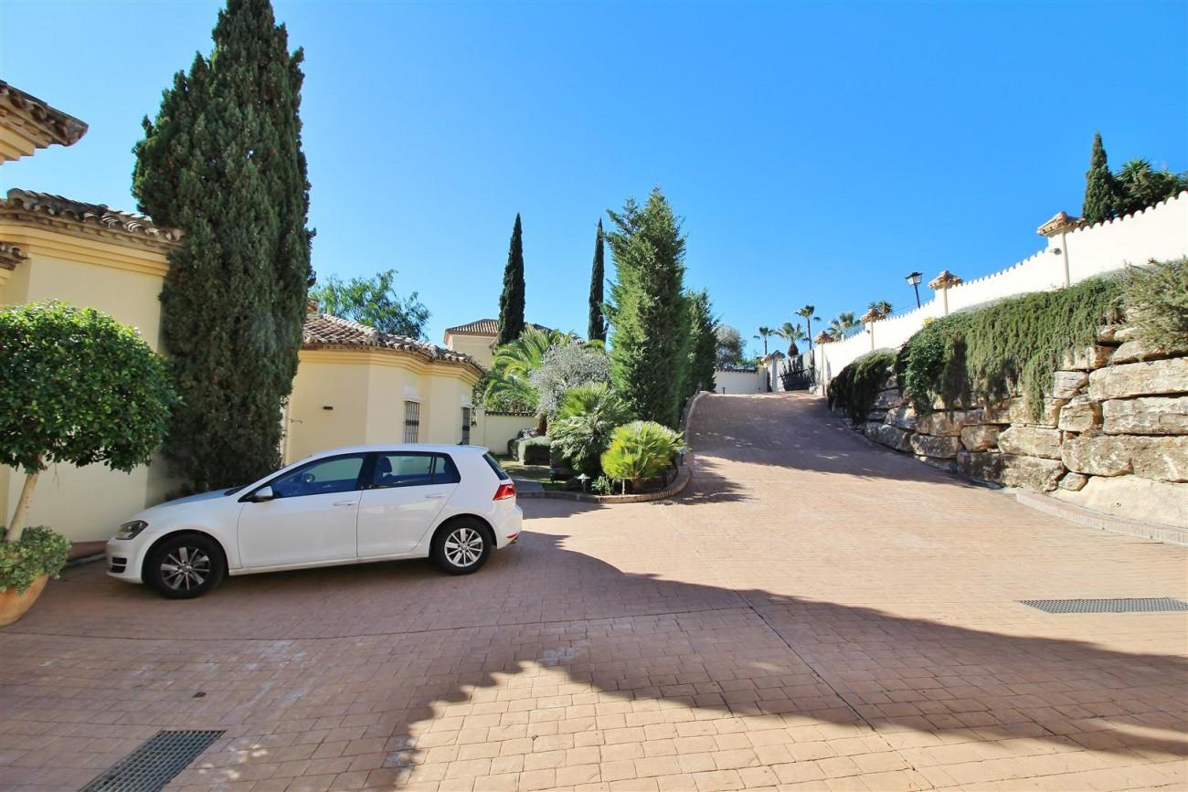 Villa for sale close to Puerto Banus Spain (21) (Large)