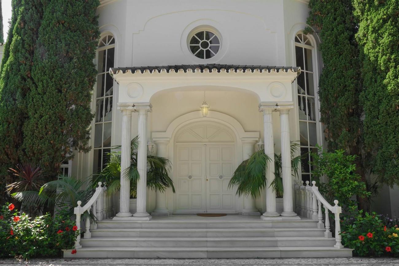 Luxury Villa For Sale Estepona Malaga Spain (2) (Large)