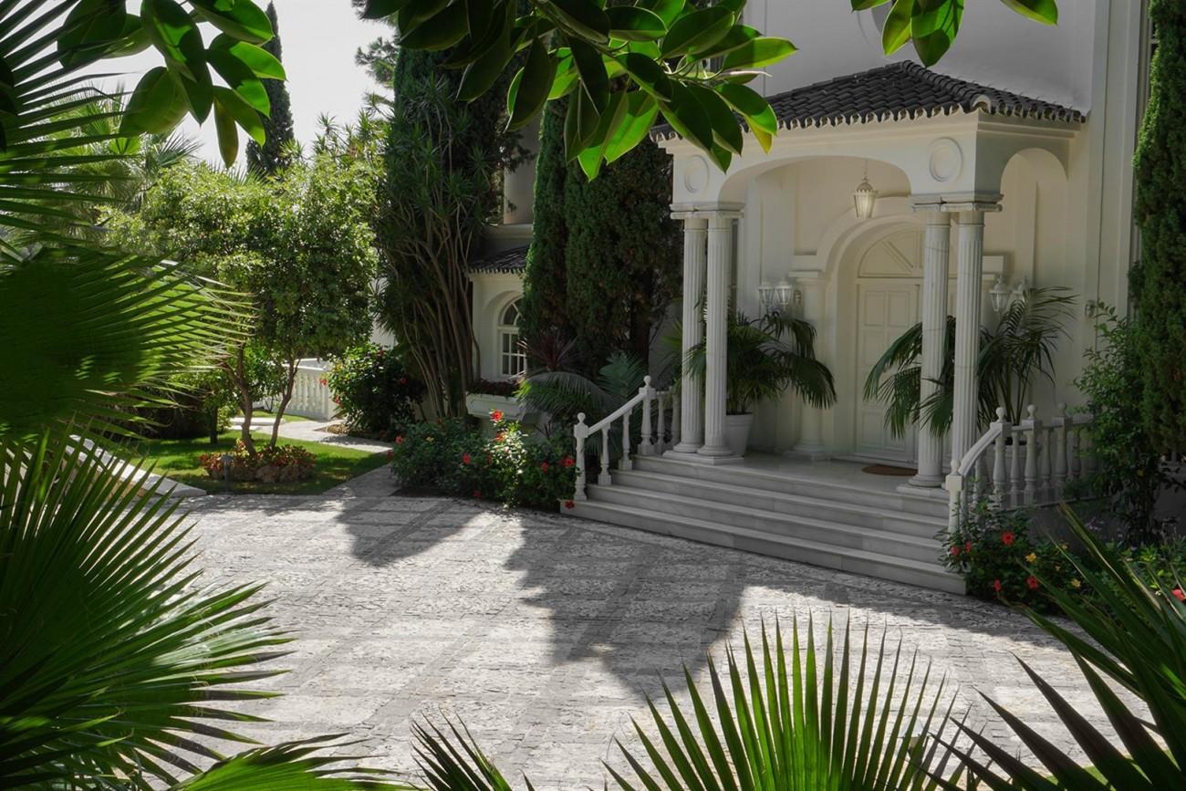 Luxury Villa For Sale Estepona Malaga Spain (3) (Large)