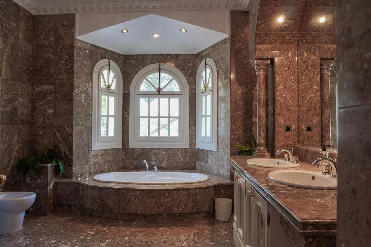 Luxury Villa For Sale Estepona Malaga Spain (13) (Large)