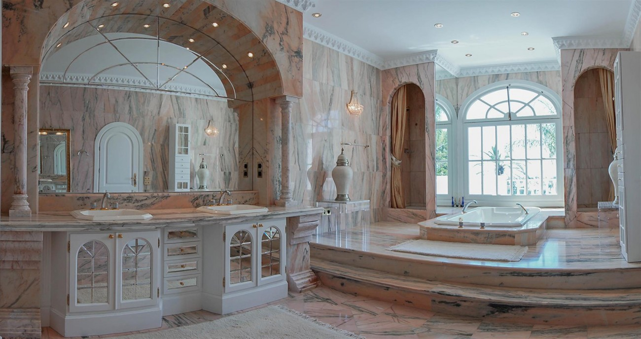 Luxury Villa For Sale Estepona Malaga Spain (15) (Large)