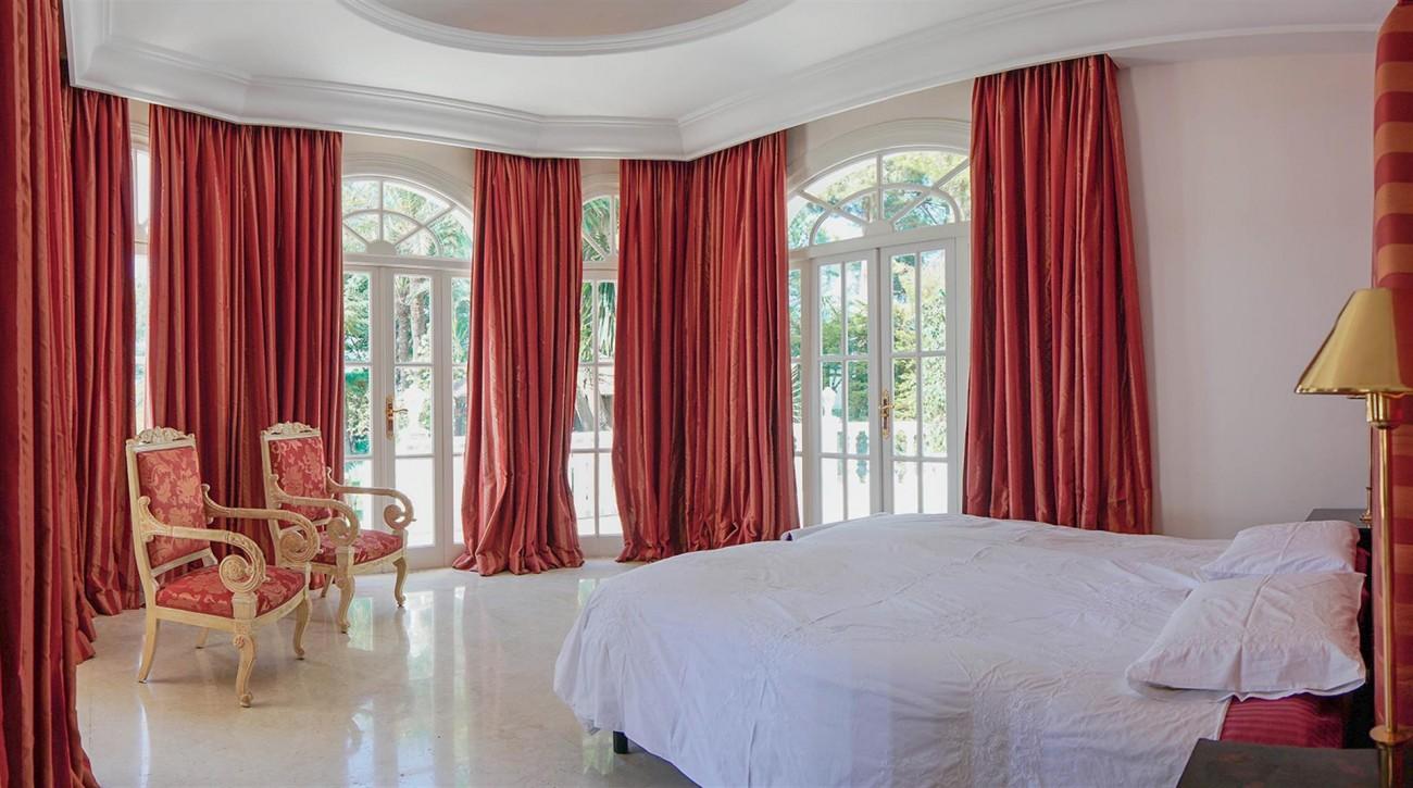 Luxury Villa For Sale Estepona Malaga Spain (18) (Large)