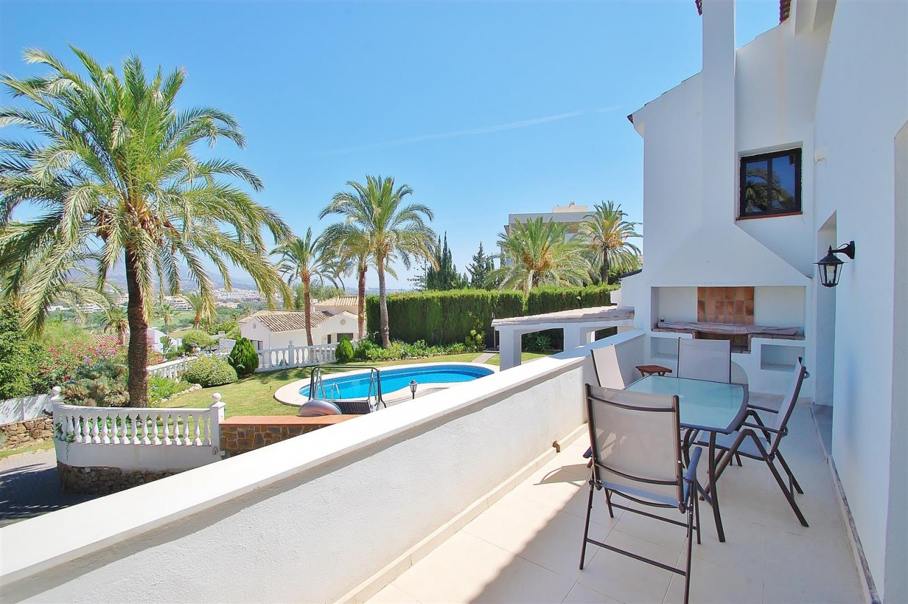V4913 Villa for sale in Nueva Andalucia Marbella Spain (1) (Large)