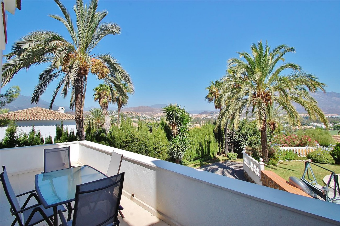 V4913 Villa for sale in Nueva Andalucia Marbella Spain (2) (Large)
