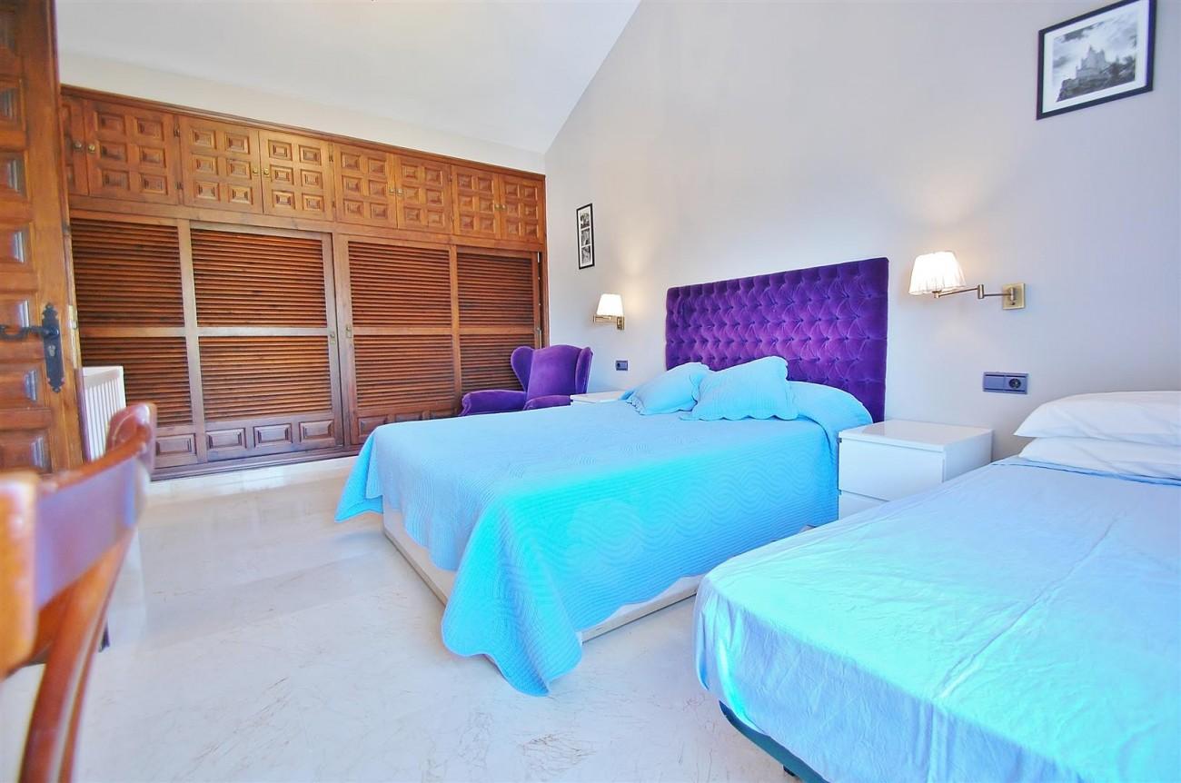 V4913 Villa for sale in Nueva Andalucia Marbella Spain (10) (Large)