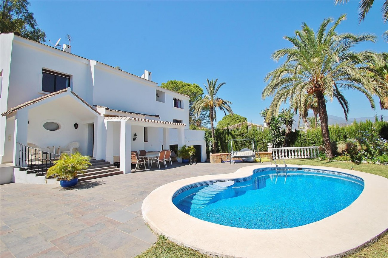 V4913 Villa for sale in Nueva Andalucia Marbella Spain (19) (Large)
